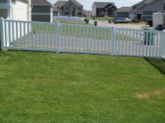 "Vinyl 3"" Picket Fence w/ 3"" Spacing"