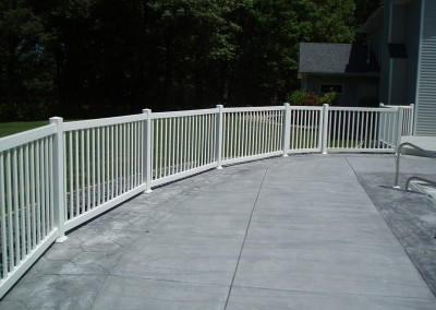 Closed Picket with Deck Mount