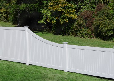 Lexington Vinyl Privacy Fence w/ Swoop