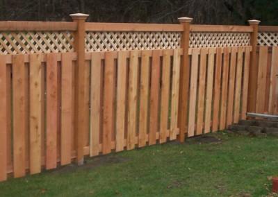 Alternate Board Fence w/ Lattice Top