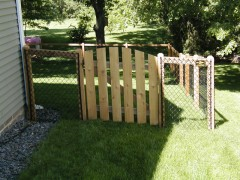 California Style Chain Link w/ Arched Cedar Gate