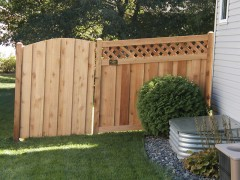 Lattice Top Cedar Fence w/ Arched Gate