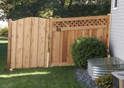 Lattice Top Cedar Fence w/ Arched Gate