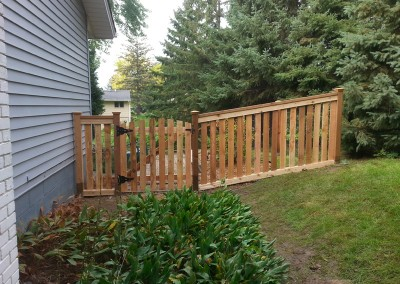 Cedar Closed Picket Fence w/ Rack & Arched Gate