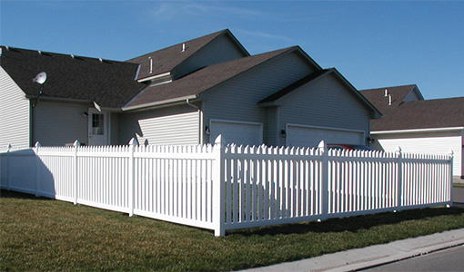 Maintenance Free Vinyl Fence Installation MN