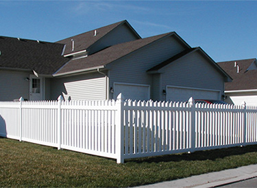 Maintenance Free Vinyl Fence Installation Services in MN