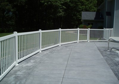 Wide Space Vinyle Narrow Picket Fence w/ Deck Mount
