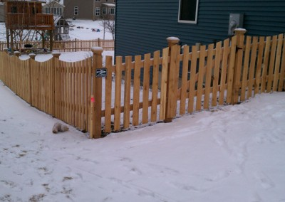 Cedar Scalloped Picket Fence