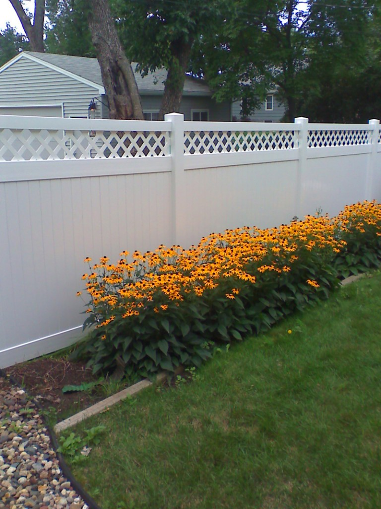 Vinyl privacy fence photo gallery fence installation mn fence vinyl lattice top privacy fence baanklon Choice Image