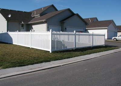 Tight Spaced Vinyl Open Picket Fence